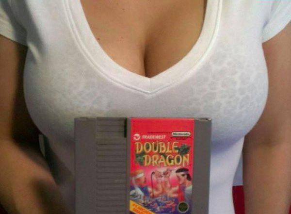this-girl-knows-how-to-sell-video-games-on-ebay-10-photos-1
