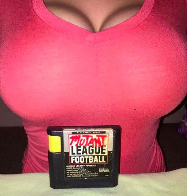 this-girl-knows-how-to-sell-video-games-on-ebay-10-photos-10