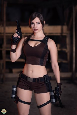 lara-croft-tomb-raider-cosplay-por-enjinight-2