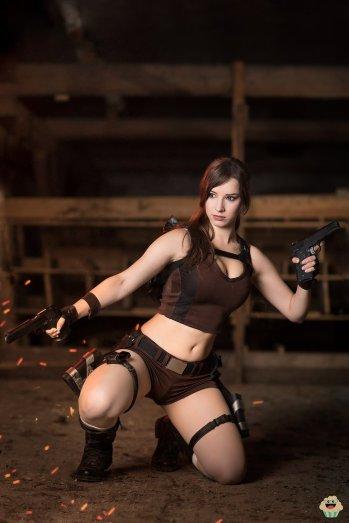 lara-croft-tomb-raider-cosplay-por-enjinight-3