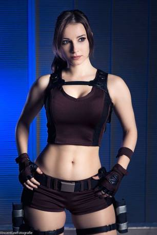 lara-croft-tomb-raider-cosplay-por-enjinight-9