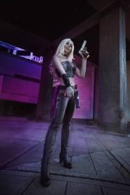 Cosplay de Trish en Devil May Cry 5 por ladybelltyan
